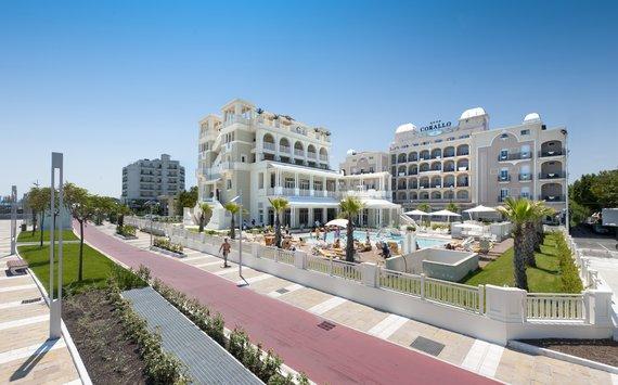 Firmatour romagna adriatico riccione corallo hotel - Hotel nuovo giardino rimini ...