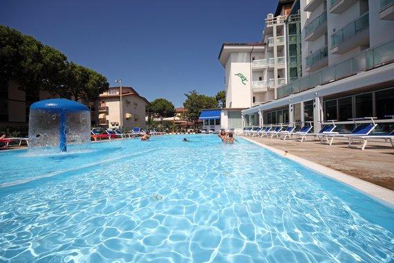 Firmatour romagna adriatico pinarella di cervia buratti hotel - Piscina comunale ravenna prezzi ...