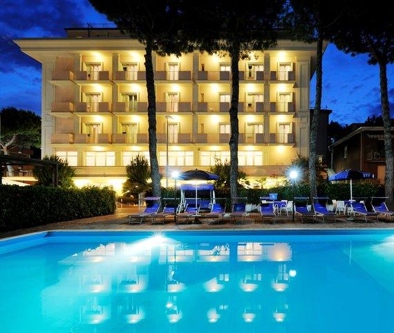 Firmatour romagna adriatico rimini marina centro tiffany hotel - Hotel nuovo giardino rimini ...